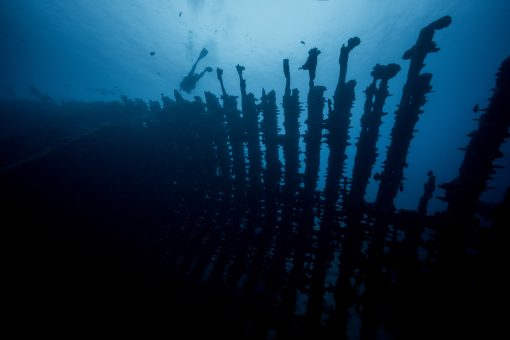 Orohena wreck_leica underwater photography_cale avant