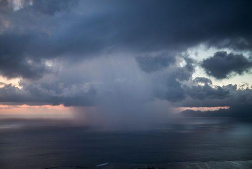 photo of cloud_moorea_tahiti_Leica photography_loic dorez
